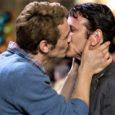 Stasera in tv su La7 alle 23,30 Milk, un film biografico del 2008 diretto da Gus Van Sant, sulla vita di Harvey Milk, primo gay dichiarato ad essere eletto ad […]