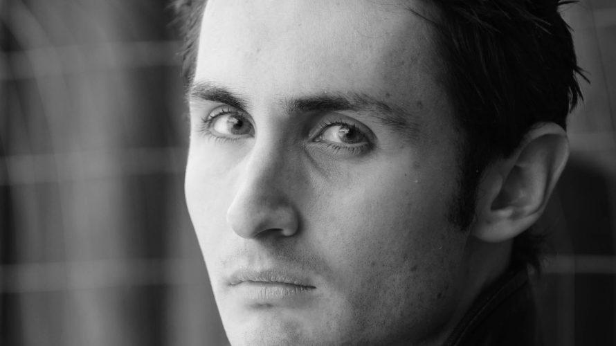 Matteo Linux è l'attore hard protagonista del nostro editoriale di oggi, conosciamolo insieme con questa intervista! Matteo, benvenuto su Mondospettacolo, come stai innanzitutto? Ciao Alex, Innanzitutto un grande saluto a […]