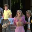 Con il trailer originale nella sezione extra, Quadrifoglio riscopre su supporto dvd, in versione rimasterizzata in HD, Zapped! – Il college più sballato d'America, diretto nel 1982 dal Robert J. […]