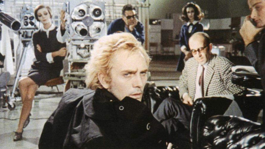 CG Entertainment (www.cgentertainment.it) rende disponibile su supporto dvd una nuova versione restaurata di Tre passi nel delirio. Co-produzione datata 1968 tra Francia e Italia, un lungometraggio costituito da tre episodi […]