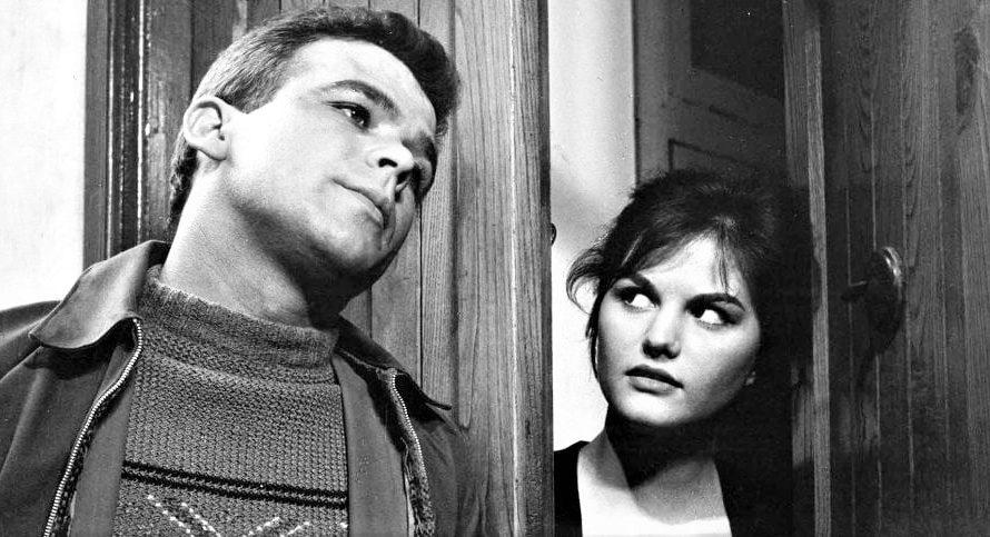 Stasera in tv su Rai Storia alle 21,10 I soliti ignoti, un film del 1958 diretto da Mario Monicelli. Considerato uno dei capolavori del cinema italiano, il film è anche […]