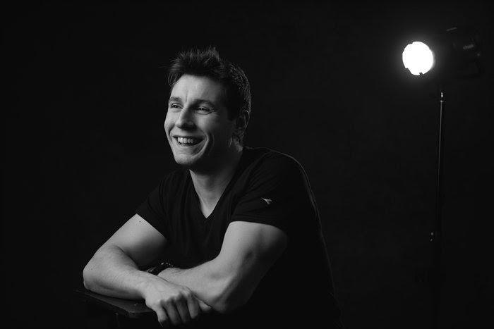 Simone Belli, 33 anni, milanese, è il più giovane stunt coordinator in Italia e il primo ad aprire una palestra dedicata all'action per formare aspiranti stunt, la Stunt Gym Boutique, […]