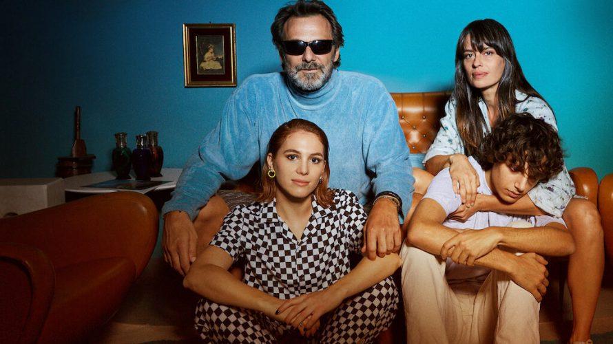 Il sensibile regista romano Roberto Capucci – arruolato da Lotus Production per dirigere l'ambizioso mélo familiare Mio fratello, mia sorella distribuito sulla piattaforma Netflix a partire dall'8 Ottobre 2021 – […]