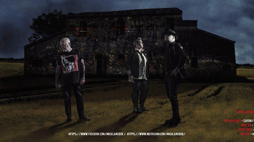 Magic Jukebox si presenta agli ascoltatori come un vero gruppo punk degli anni 80/90 riprendendo il filone musicale dei mostri sacri della musica punk, ossia Sex pistols, The Exploited o […]